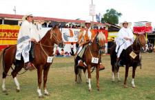 Pese a prohibición organizan evento de caballos en Fongal