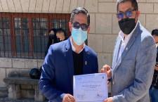Colectivo Cajamarca Respira entrega reconocimiento a municipalidad de Cajamarca