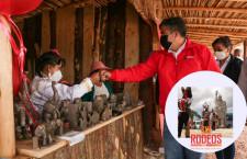 Vamos a conocer los nuevos stands de artesanía en el Parque de estatuas de Llushcapampa